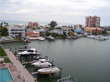 REDINGTON SHORES YACHT & TENNIS CLUB Featured